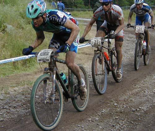 Mítica foto de la carrera la Napa Valley con Hermida al ataque. Abril de 2001
